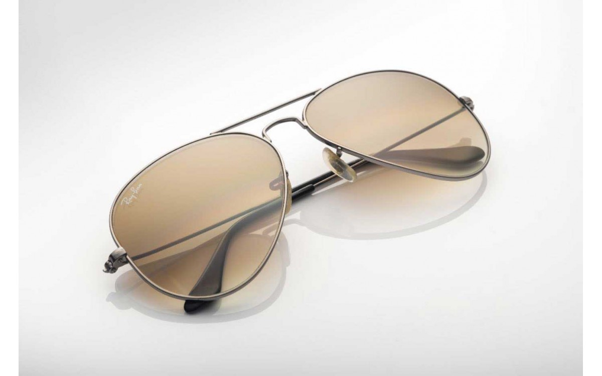 The history of Ray Ban Aviators - An iconic brand
